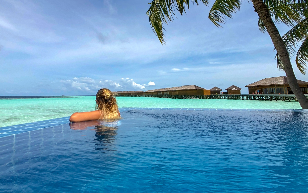 Vilamendhoo Resort – ParadiseFound